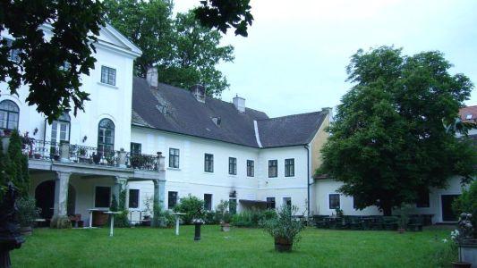 Schloss Potzneusiedl 7