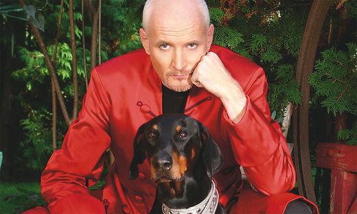 """Auf dem Cover von Arno Raunigs CD """"Back to the past"""", die in Kürze erscheint, ist auch Hund Pauli zu sehenAuf dem Cover von Arno Raunigs CD """"Back to the past"""", die in Kürze erscheint, ist auch Hund Pauli zu sehen Foto © KK/Privat"""