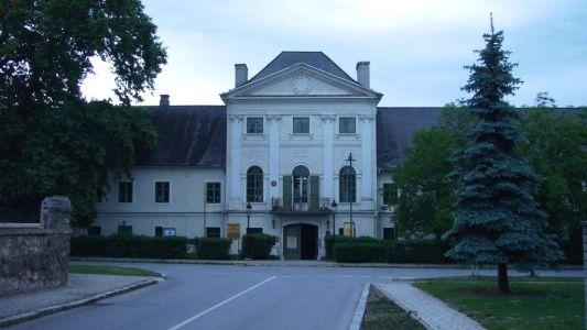 Schloss Potzneusiedl 6